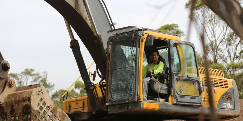 16-operador-de-excavadora